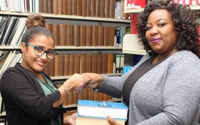 Schenking Juridische Bibliotheek Suriname